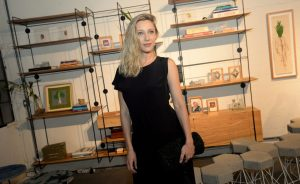 Roberta Sudbrack reúne turma cool e artsy em jantar em antiga fábrica de chocolate