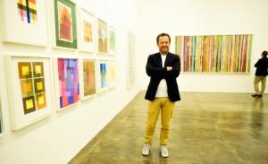 Arte em dobro na Nara Roesler, com Helio Oiticica e Vik Muniz