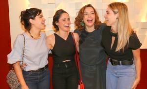 """Vanessa Giácomo, Carol Castro e mais na estreia de  """"Para tão longo amor"""""""
