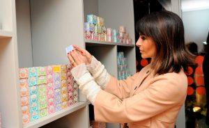 Glamurettes entregam suas fragrâncias preferidas de Francis