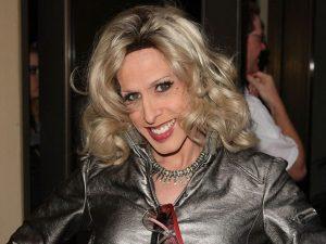 Alexis, irmã trans de Patricia Arquette, queria revelar segredos de Hollywood