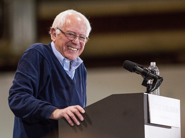 <<enter caption here>> on February 6, 2016 in Manchester, New Hampshire.