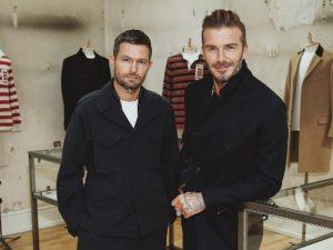 David Beckham estreia como homem de negócios na moda. À coleção!