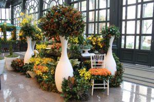 Florista Vic Meirelles leva a primavera para o Pátio Higienópolis