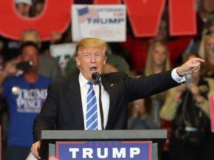Trump perde US$ 800 mi e reforça o ditado: o peixe morre pela boca. Oi?