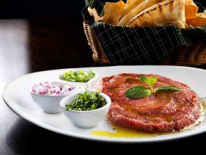 Pita Kebab revela a receita de seu delicioso kibe cru. Tome nota!