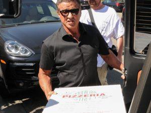 Carreira de Sylvester Stallone pode acabar em pizza. Não acredita? Vem!