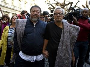 Por Ai Weiwei, Anish Kapoor pode se retirar da Bienal da China em protesto