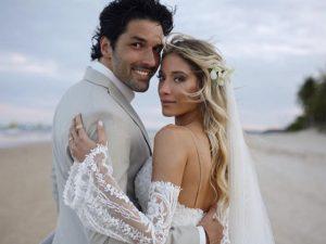O casamento de Daniella Novaes e Renan Pizii nas areias de Trancoso