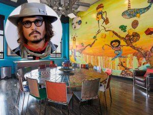 Johnny Depp vende apê, mas leva com ele obra dos OSGÊMEOS