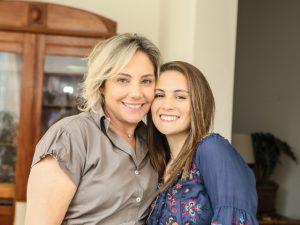 Em nova série, Heloísa Périssé contracena com a filha pela primeira vez