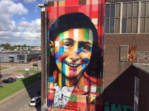 Brasileiro Kobra inaugura mural gigante de Anne Frank em Amsterdã