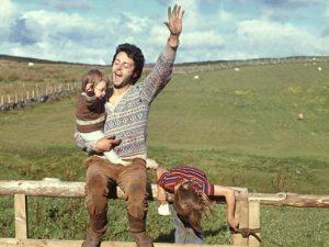 No dia em que Linda McCartney completaria 75 anos, sua arte de fotografar
