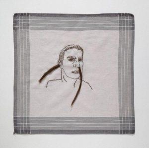 Fragmentos da casa e do corpo de artista vão parar em nova exposição