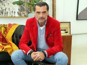 Adriano Mariutti e seus projetos que mesclam o clássico a outros estilos