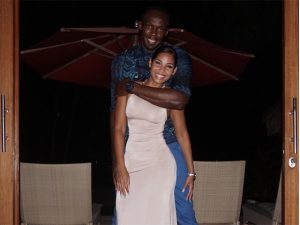Usain Bolt alfineta tabloides e posta foto com a namorada Kasi Bennett
