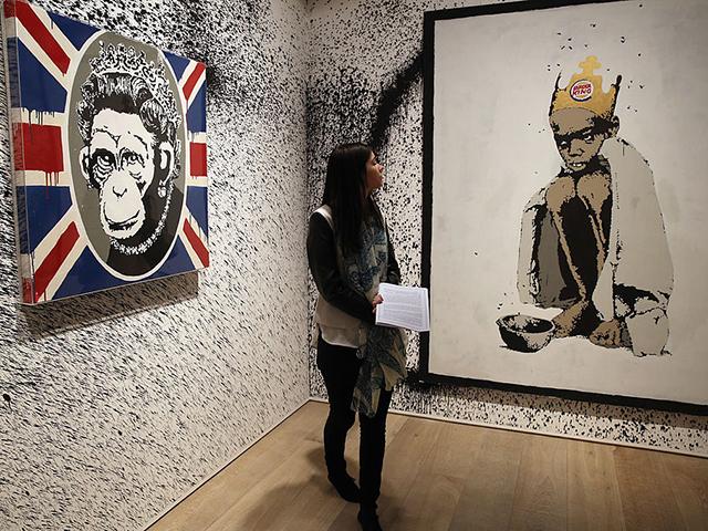Repeteco: visitante em retrospectiva não autorizada de Banksy feita em Londres, em 2014