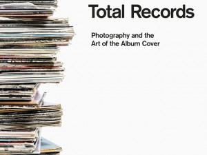 Livro reúne mais de 400 capas icônicas de discos e histórias de bastidores