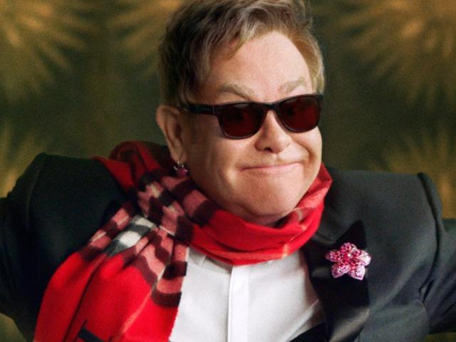 Elton John na campanha de natal 2015 da Burberry!