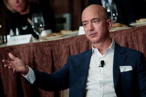 Fundador da Amazon perde mais de US$ 3 bi em menos de uma hora