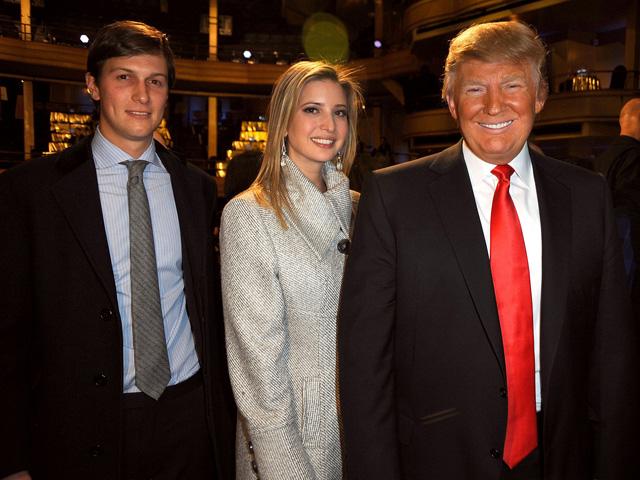 (FOTO: Jared Kushner, Ivanka e Donald Trump Getty Images)