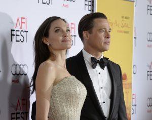 Após um mês de disputa, Angelina Jolie e Brad Pitt ensaiam um cessar-fogo