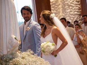 Mauricio Vasconcelos e Ramona Zanon trocam alianças em Milagres