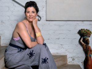 Revista J.P 10 anos: Roberta Belotti, da Le Soleil d'Été, abre seu closet