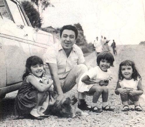 Mauricio com as filhas Mariângela, Mônica e Magali