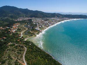 Aqui, as 9 praias brasileiras eleitas entre as mais limpas e sustentáveis do mundo