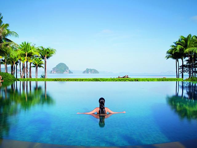 Vista de uma das piscinas do resort