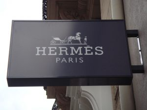 Assista aqui ao desfile da Hermès na Semana de Moda de Paris. Play!