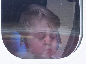 Príncipe George cansou a beleza e protagonizou cena das mais birutas