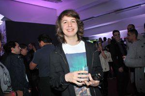 Bom menino, Lucas Jagger não toma refrigerante e nem come fast-food