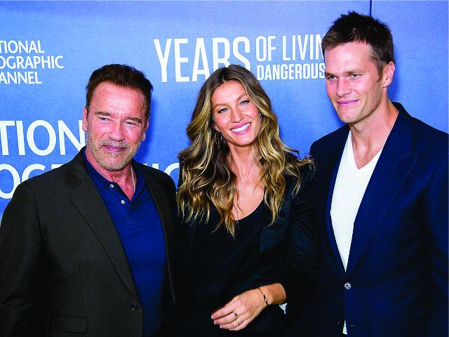 Arnold Schwarzenegger, Gisele e Tom Brady no lançamento da série || Créditos: Getty Images
