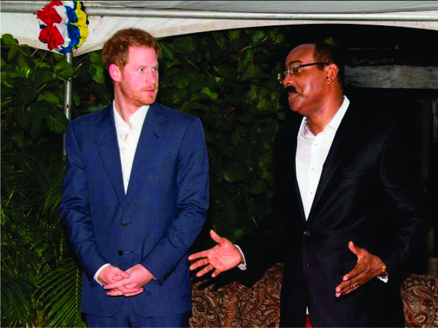 O príncipe Harry e o primeiro-ministro de Antigua, Gaston Browne