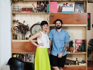 O apartamento jovem e cool de Helena Mattar e Fabrizio Lenci