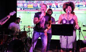 Show de Zepa no Soul Spots Bar, em São Paulo, com muita música romântica