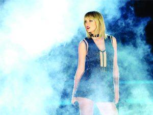 Aos 27 anos, Taylor Swift encabeça lista dos músicos mais bem pagos do ano
