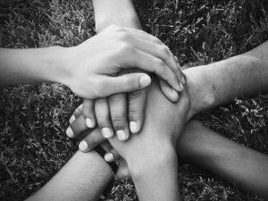 Quer ajudar diferentes instituições? O site Solidário Brasil mostra como