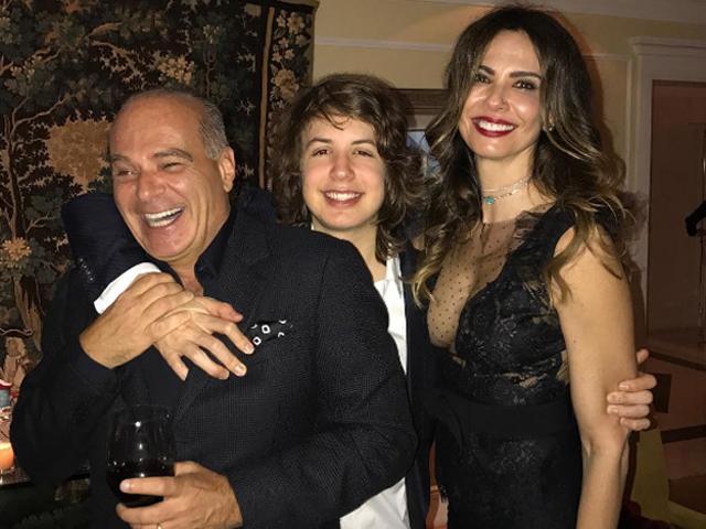 Luciana com Marcelo de Carvalho, o filho Lucas Jagger