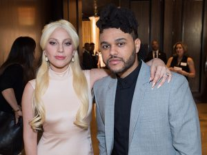 Lady Gaga, Bruno Mars e The Weeknd no desfile da Victoria's Secret. Cola aqui!