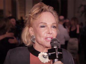 Helena Mottin entrega itens indispensáveis na mala com destino a Paris