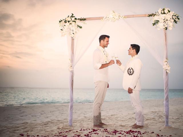 Marcelo Antunes e Rodrigo Beze: casamento nas Maldivas || Créditos: Divulgação