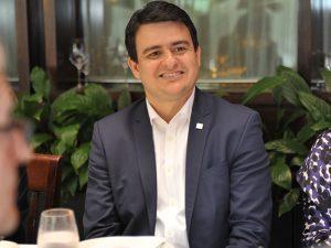 """CEO da EY fala sobre a """"uberização"""" do mundo moderno"""