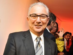 Presidente da Telefônica no Brasil homenageia Moshe Sendacz. Vem saber