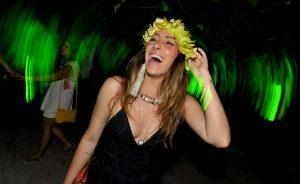 Glamurama mostra quem passou pela festa Saravá, tradição de Trancoso