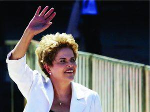 Longe do peso de Brasília, Dilma Rousseff passa aniversário em família