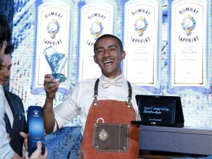 José Ronaldo, do Frank Bar, vence o Most Imaginative Bartender da Bombay Sapphire