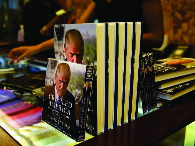 """""""Crippled America """"(""""América Debilitada"""", em português), o novo livro de Trump"""
